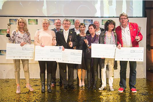 Die glücklichen Gewinner des METRO-Community Stars 2014